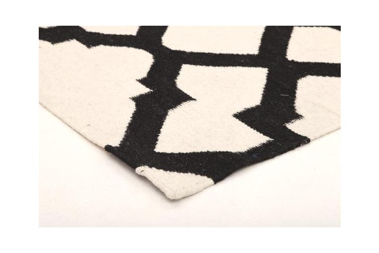 Flat Weave Trellis Design White Black Rug 225x155cm