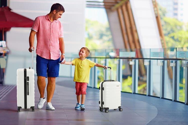 Orbis 3 Piece Capri Spinner Luggage Set (White)