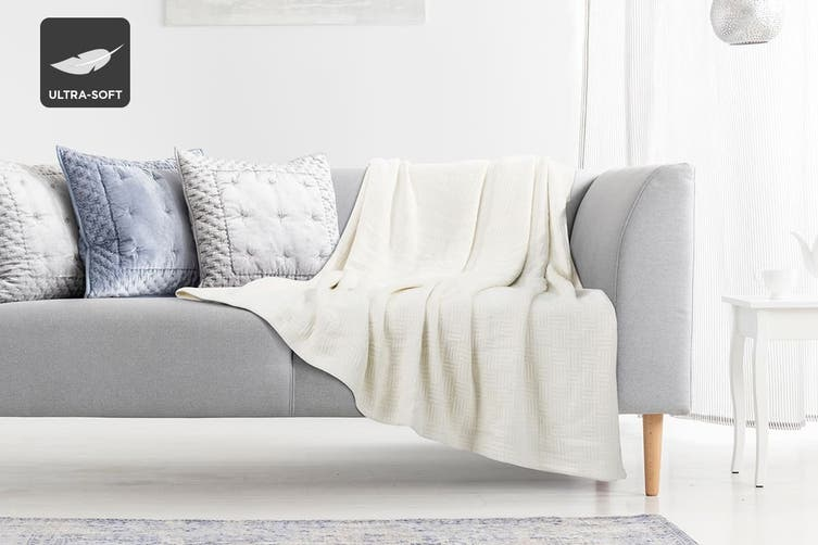 Trafalgar Ultra Soft Cotton Bamboo Blanket (Queen/King, Vanilla)