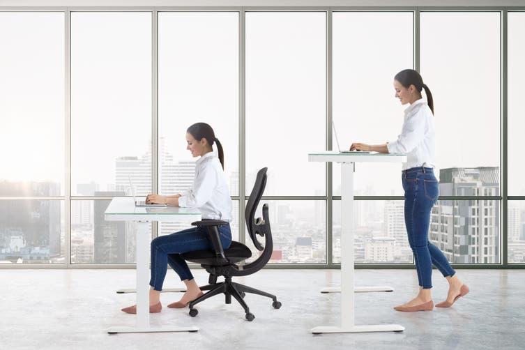 Ergolux Sorrento Electric Standing Desk (White, Wood)