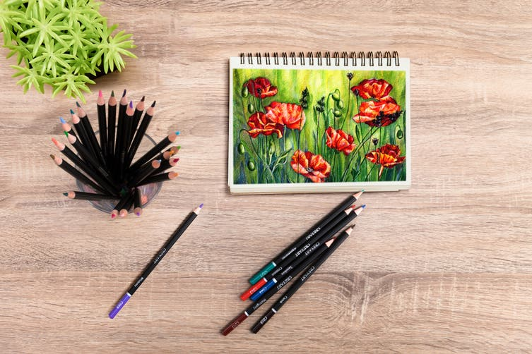 120-Piece Coloured Pencils Set
