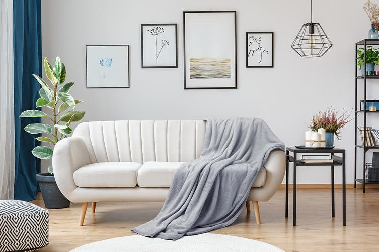 Ovela Super Soft Blanket (Silver)