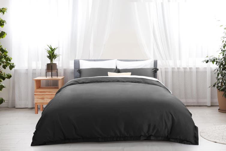 Ovela Hotel Quality 1000TC Cotton Rich Quilt Cover Set (Queen, Forged Iron)