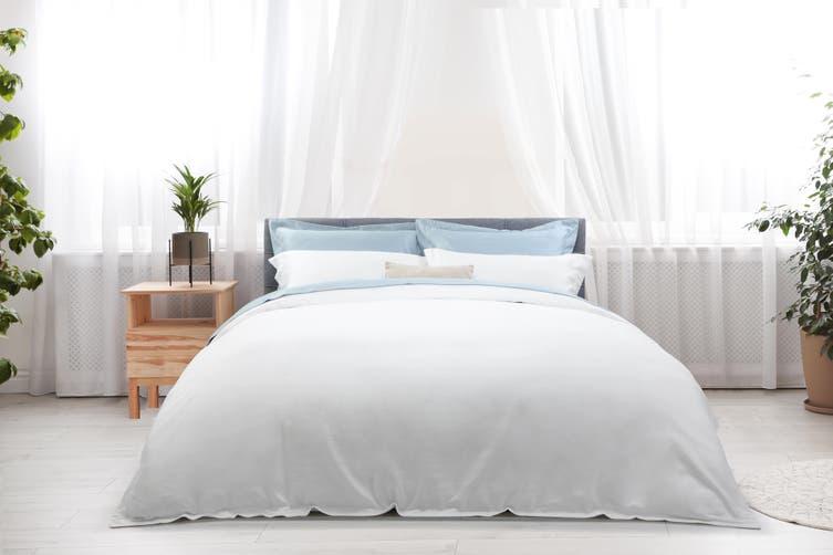 Ovela Hotel Quality 1000TC Cotton Rich Quilt Cover Set (Queen, White)