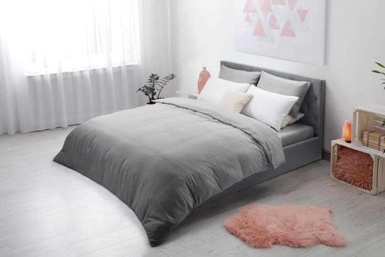 Ovela Silky Touch Microfibre Striped Quilt Cover Set (Queen, Grey)