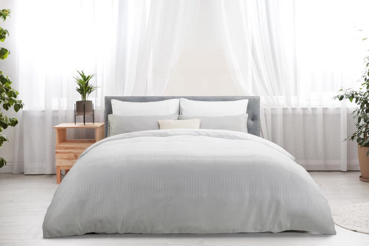 Ovela Silky Touch Microfibre Striped Quilt Cover Set (King, White)