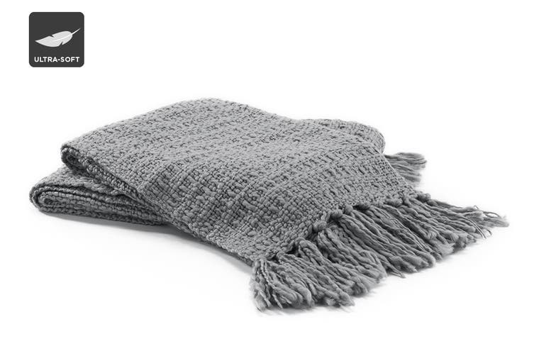 Ovela Chunky Knitted Throw with Fringes (Silver)
