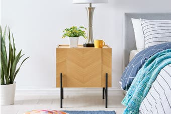 Shangri-La Rio Bedside Table (Oak)