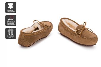 Outback Ugg Moccasins Tirari - Premium Sheepskin (Chestnut, Size 7M / 8W US)