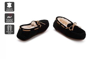 Outback Ugg Moccasins Tirari - Premium Sheepskin (Black, Size 13M / 14W US)