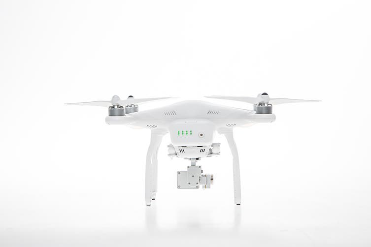 DJI Phantom 3 Advanced with Integrated 2.7k Stabilised Camera - Official DJI Refurbished