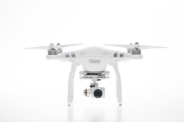DJI Phantom 3 Advanced with Integrated 2.7k Stabilised Camera