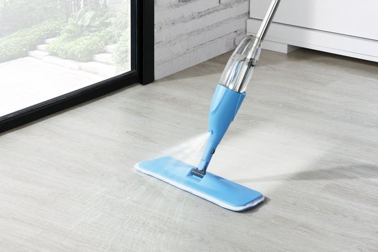 Kogan UltraSwish Spray Mop with 3 Mop Pads