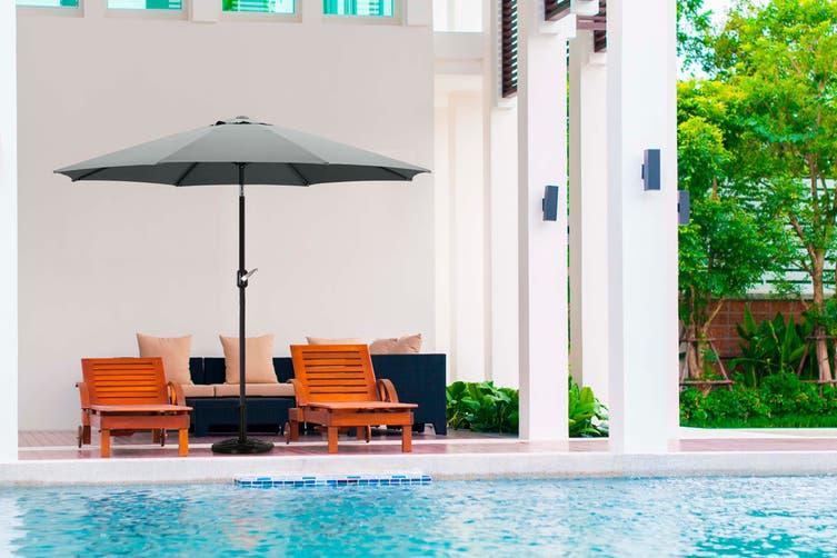 Komodo Outdoor Market Umbrella (Charcoal)
