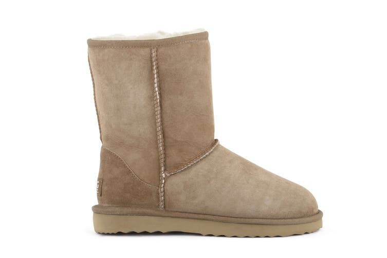 Outback Ugg Boots Short Classic - Premium Double Face Sheepskin (Chestnut, Size 12M / 13W US)