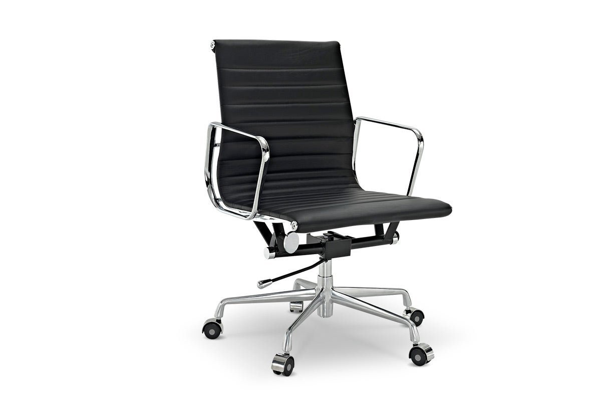 Eames Low Back Ribbed fice Chair