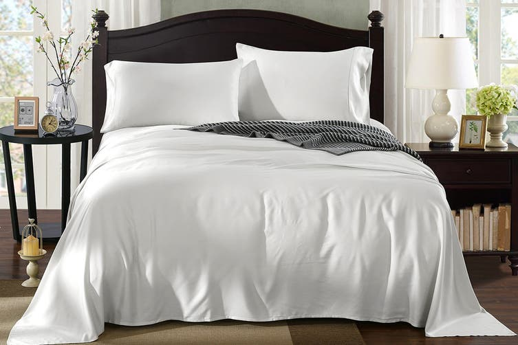 Royal Comfort 100% Natural Bamboo Bed Sheet Set (Queen, White)