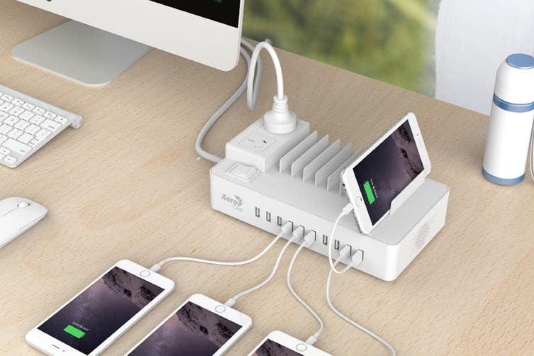 Aerocool ASA SS2A2AA Charging Station with 2 AC Outlet Surge Protector/10 USB Port Fast Charger