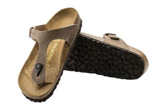 Birkenstock Gizeh Oiled Leather Regular Fit Sandal (Tobacco Brown)