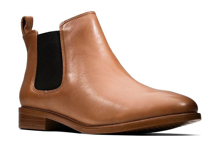 Clarks Women's Taylor Shine Shoe (Tan Leather D, Size 4 UK)