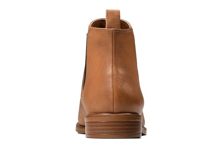 Clarks Women's Taylor Shine Shoe (Tan Leather D, Size 6 UK)