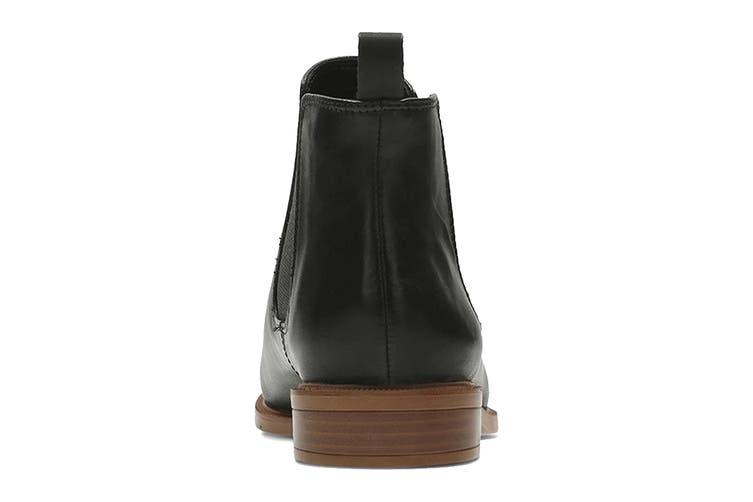 Clarks Women's Taylor Shine Shoe (Black Leather D, Size 7.5 UK)
