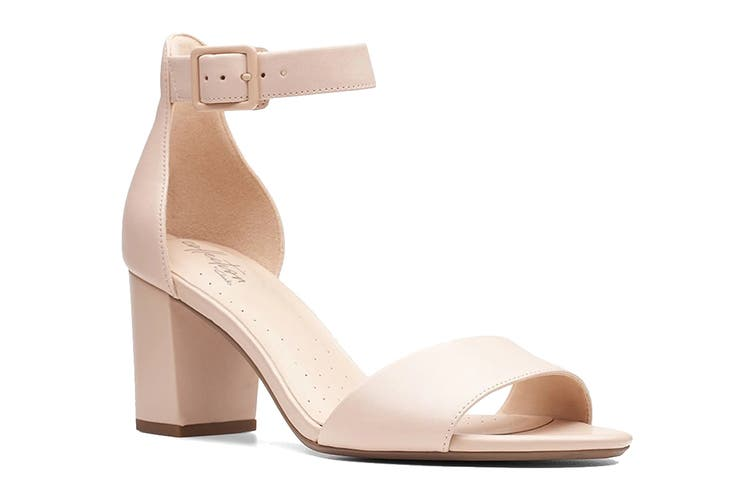 Clarks Women's Deva Mae Shoe (Nude Leather D, Size 4 UK)