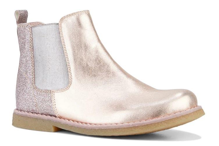 Clarks Girls' Chelsea Shoe (Rose Gold Glitter E, Size 30 EU)