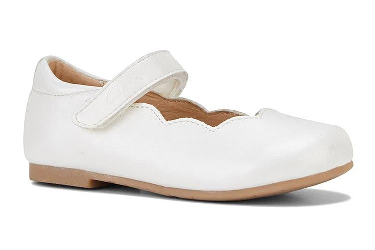 Clarks Girls' Audrey Jnr Shoe (White Pearl E, Size 24 EU)