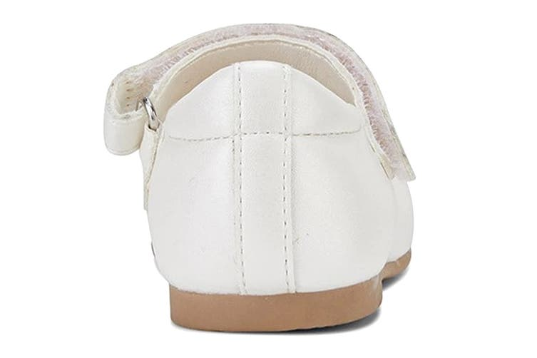 Clarks Girls' Audrey Jnr Shoe (White Pearl E, Size 25 EU)