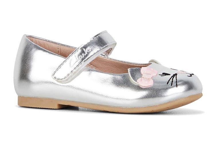 Clarks Girls' Alice Shoe (Silver/Pink Bow E, Size 25 EU)