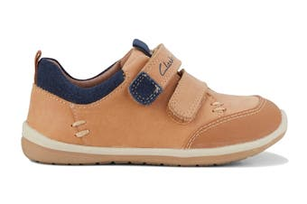 Clarks Boys' Marco Shoe (Tan/Navy D, Size 05.5 UK)