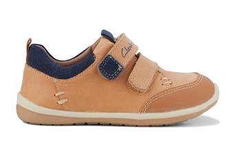 Clarks Boys' Marco Shoe (Tan/Navy D, Size 05 UK)