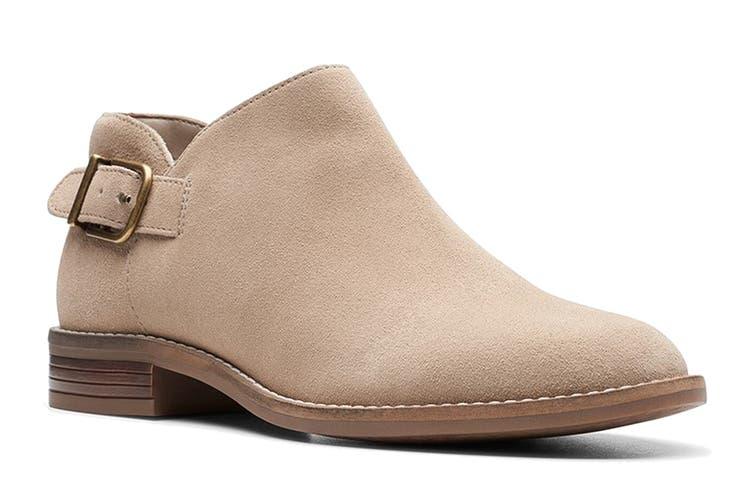 Clarks Women's Camzin Pull Shoe (Sand Suede D, Size 4 UK)