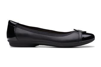 Clarks Women's Gracelin Wind Shoe (Black D, Size 4 UK)