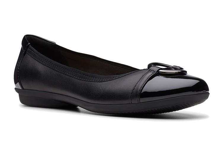 Clarks Women's Gracelin Wind Shoe (Black D, Size 7 UK)