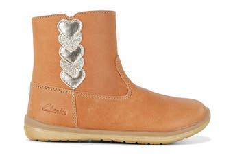Clarks Girls' Maddy Shoe (Tan E, Size 06 UK)