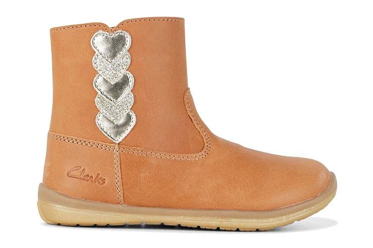 Clarks Girls' Maddy Shoe (Tan E, Size 07.5 UK)