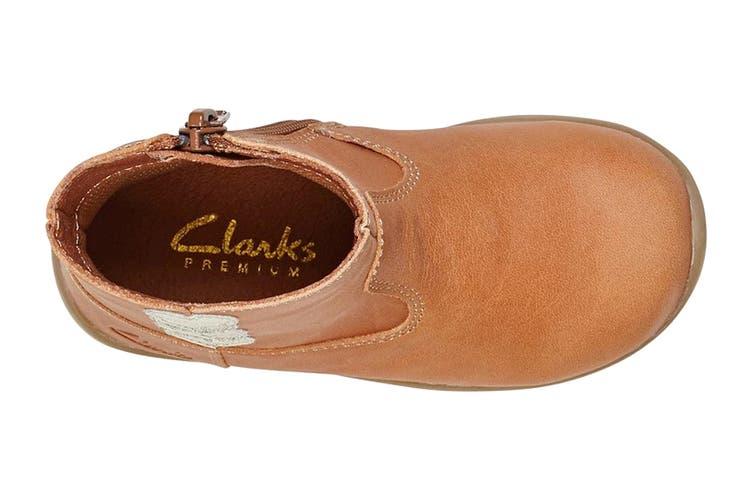 Clarks Girls' Maddy Shoe (Tan E, Size 08.5 UK)
