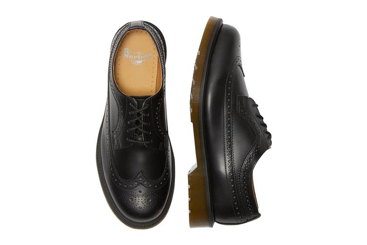 Dr. Martens 3989 Smooth Leather Brogue Low Top Shoe (Black, Size 8 UK)