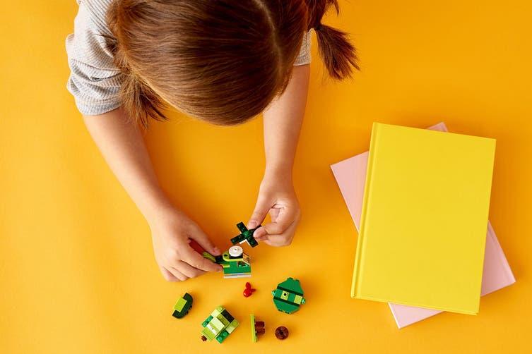 LEGO Classic Creative Green Bricks (11007)