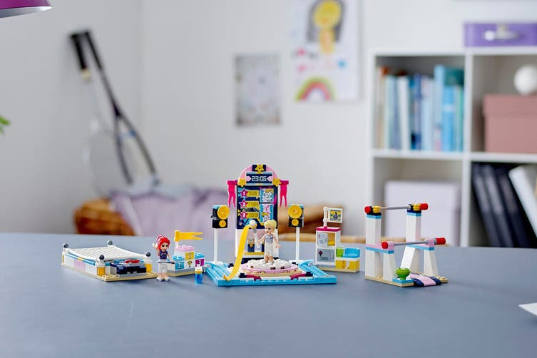 LEGO Friends Stephanie's Gymnastics Show (41372)
