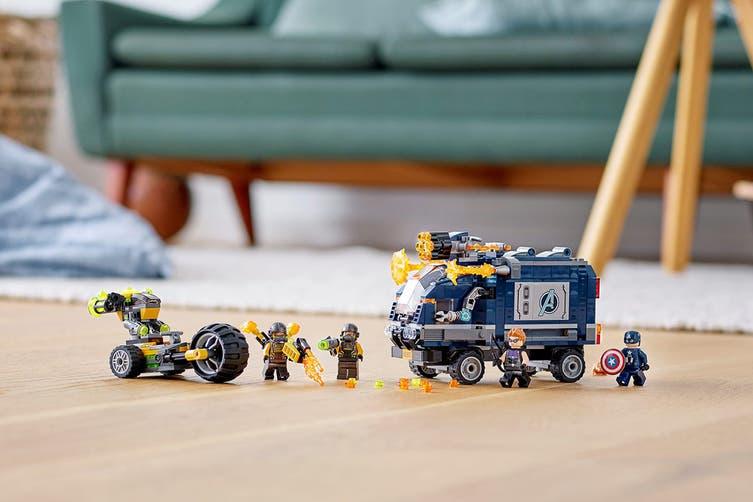 LEGO Super Heroes Avengers Truck Take-down (76143)
