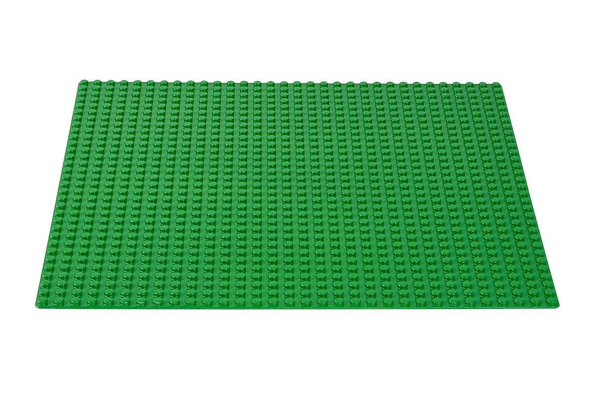 LEGO Classic Green Baseplate (10700) Create a garden, forest or something of your own imagination with the LEGO Classic Green Baseplate, green-coloured stud baseplate.   Perfect starting point for building, displaying and playing with LEGO creations Great supplement to any LEGO collection Allows for open-ended creative play   Warning: Choking hazard – Small parts. Not for children under 3 years.