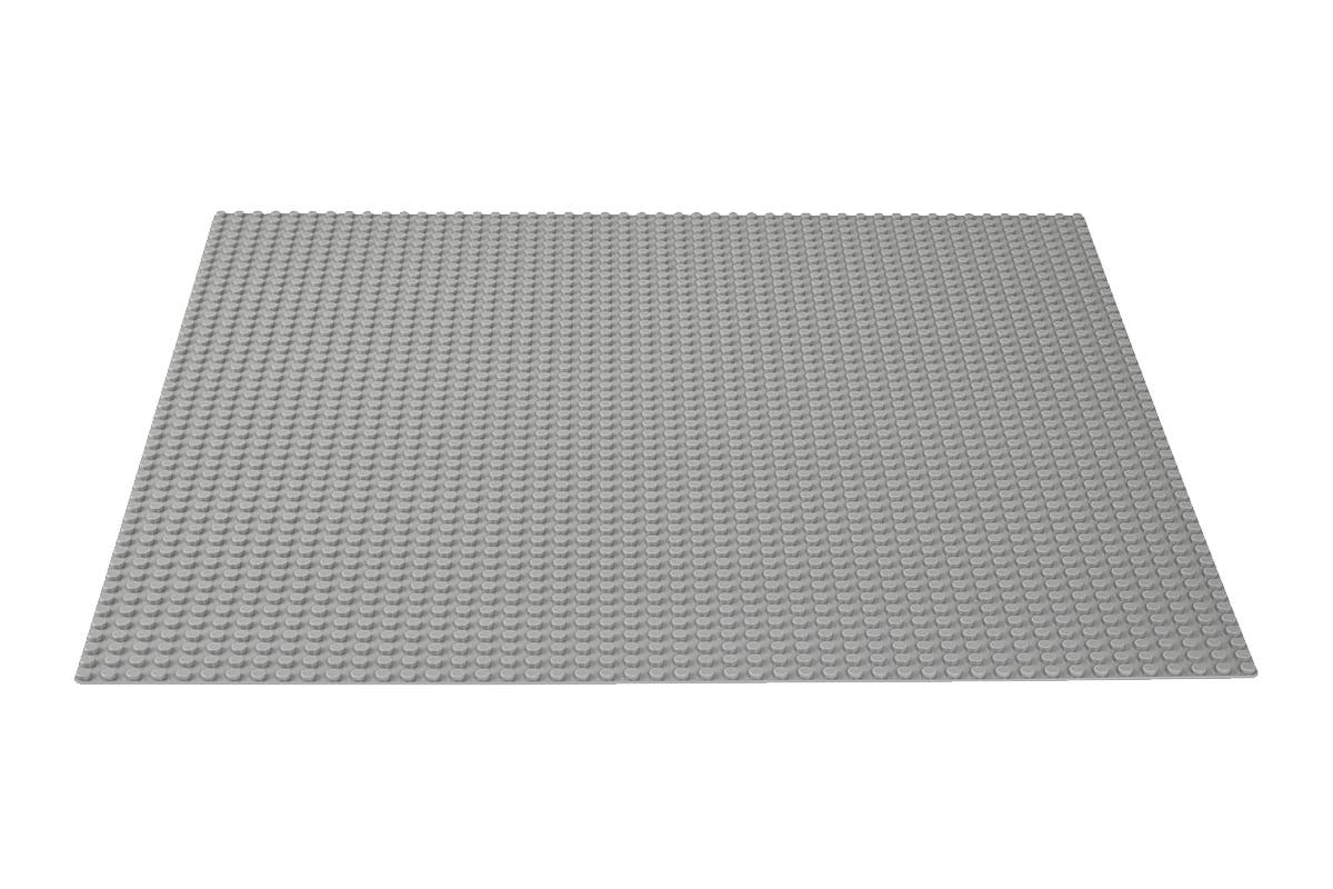 LEGO Classic Gray Baseplate (10701) Create a street scene, castle or something of your own imagination with the LEGO Classic Gray Baseplate, gray-coloured stud baseplate.   Perfect starting point for building, displaying and playing with LEGO creations Great supplement to any LEGO collection Allows for open-ended creative play   Warning: Choking hazard – Small parts. Not for children under 3 years.