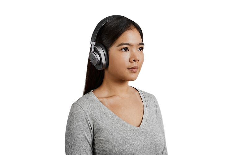 Master & Dynamic MW65 Active-Noise-Cancelling Wireless Over-Ear Headphone - Black/Gunmetal (MW65G1)