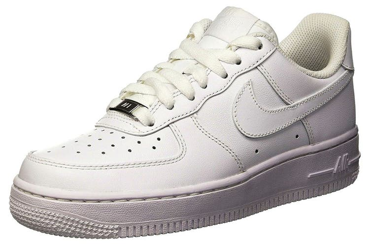 Nike Women's Air Force 1 '07 Low Shoe (White, Size 6 US)
