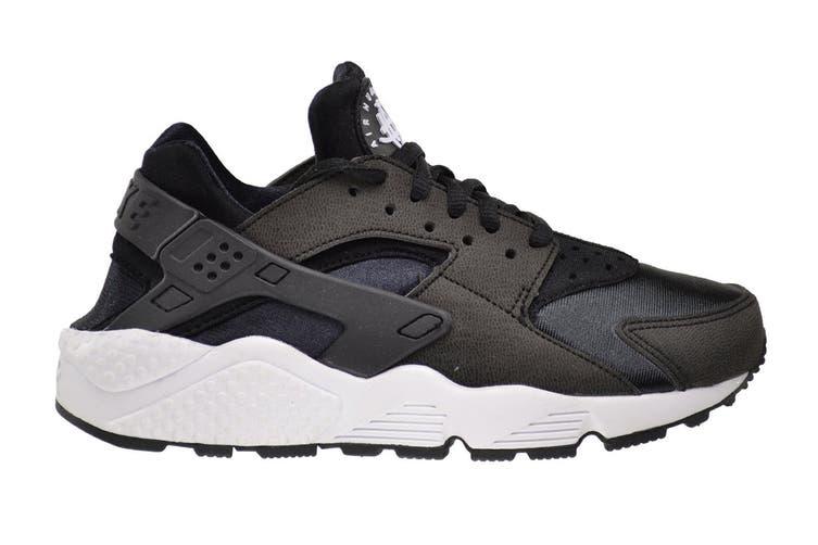 Nike Women's Air Huarache Run Sneaker (Black/White, Size 9.5 US)