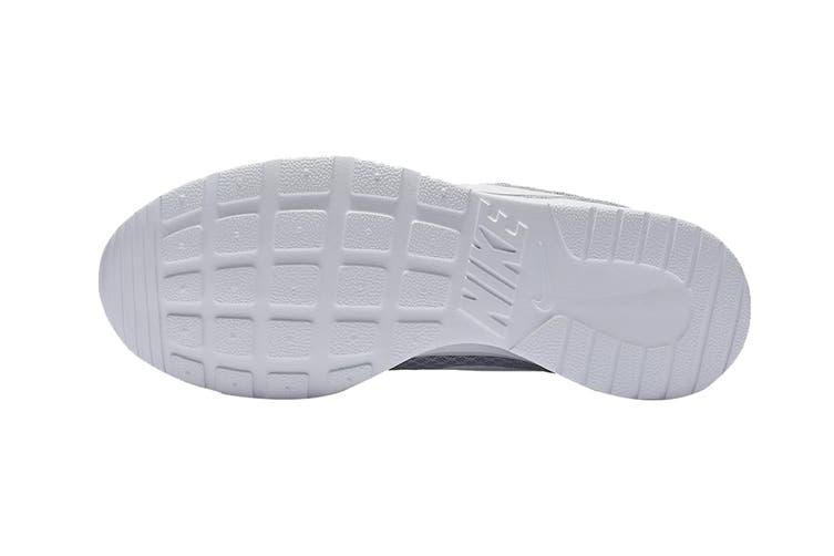 Nike Women's Tanjun Shoes (Wolf Grey/White, Size 6 US)