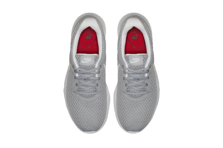 Nike Women's Tanjun Shoes (Wolf Grey/White, Size 7 US)